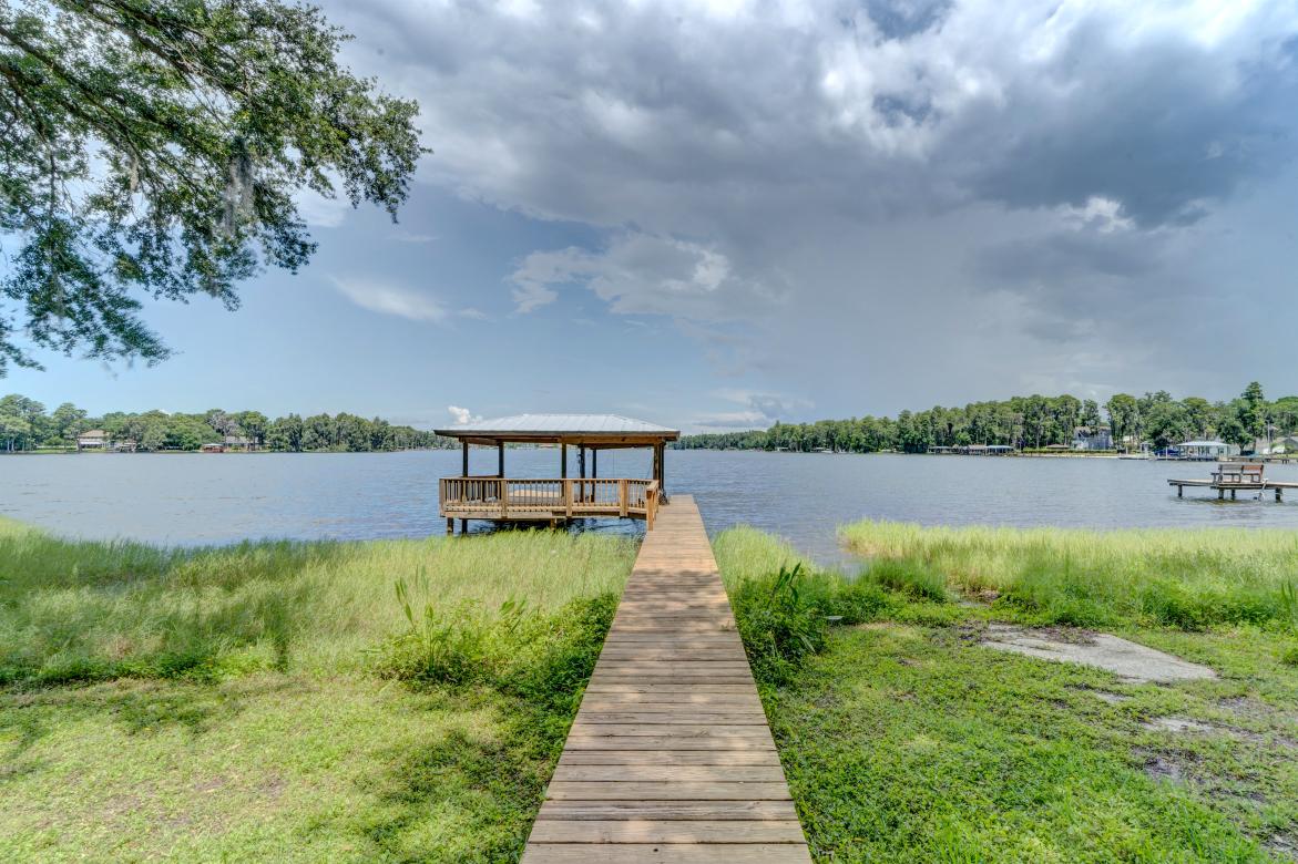 042_Lake view
